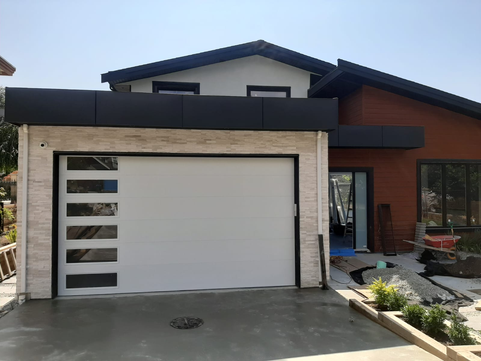 garage door with glass on the side